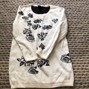 Ann Taylor  3/4 length sleeve sweater